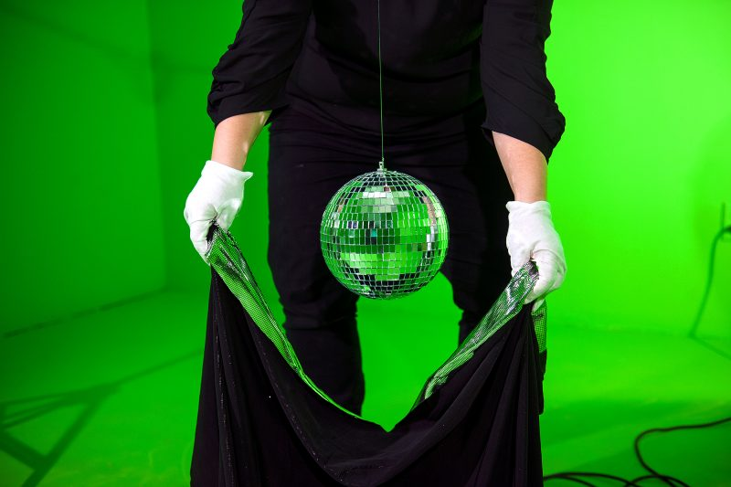 Michelle Murphy, artist, Michelle Marie Murphy, Chicago, NYC, art, video, performance, performance art, contemporary, magic, disco, globe, green screen, mystic